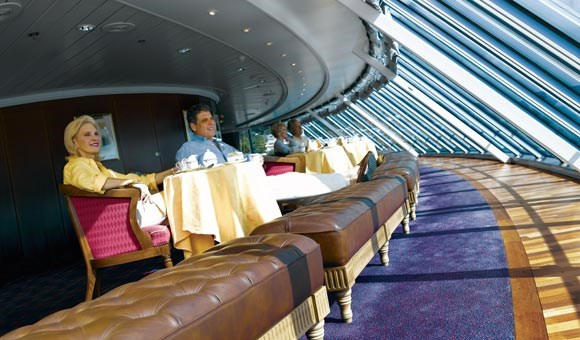 Horizons Bar has floor-to-ceiling windows